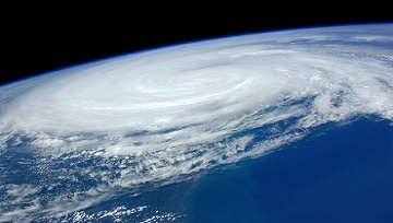 Business Continuity Planning Tips: Prepare Your Business For a Hurricane - Featured Image