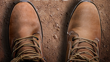 Who makes the longest lasting, high-demand work boots? - Featured Image